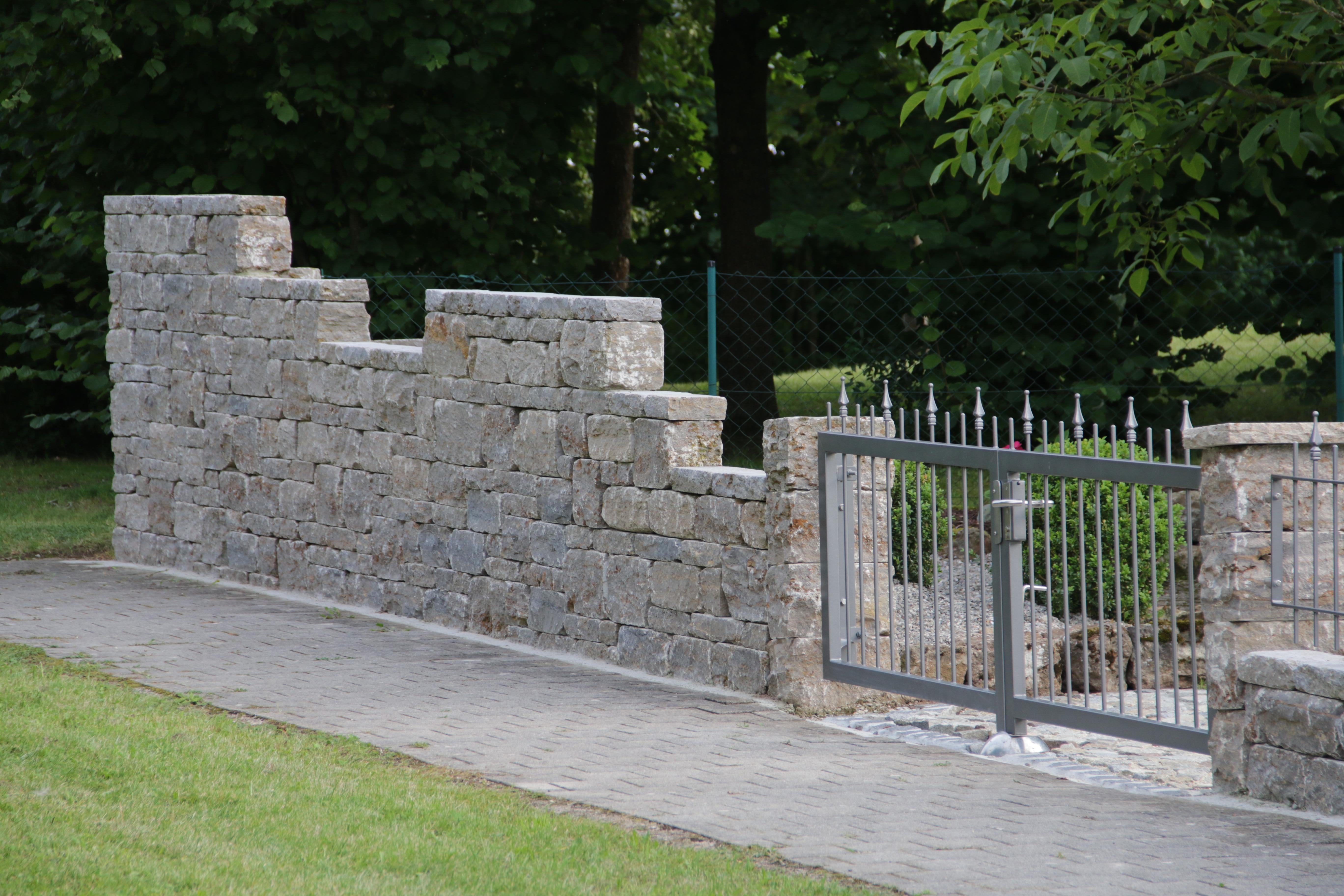Natursteinmauer 4
