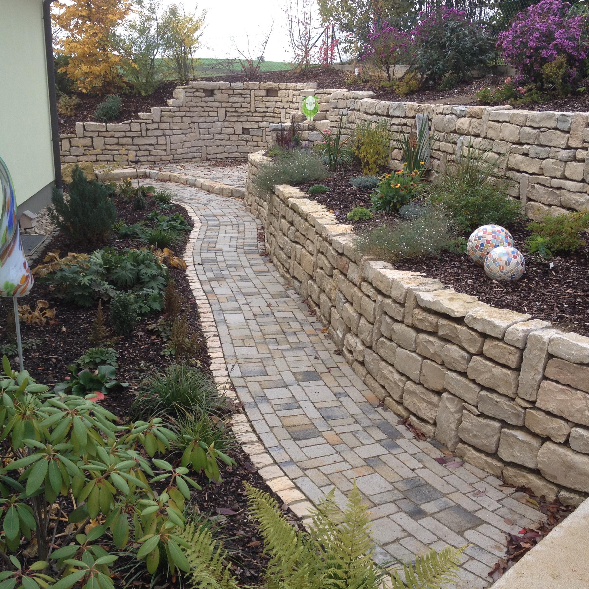 Natursteinmauer 8